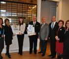 """Nazım Siyavuşoğlu'na Altın plaket ödülü. KİEV Akademisi Mezunu Tetiana Müsevitoğlu """"HÜRREM"""" İsimli Yağlı Boya Tablosu süpriz bir şekilde """"HÜRREM""""in TC Yargı OnaylıSultan Torunu sıfatıyla CKM'de Nazım Siyavuşoğlu'na verildi."""